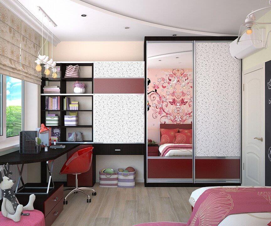 meuble décoré avec du papier peint