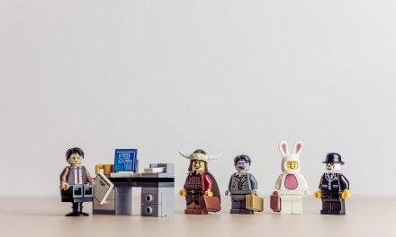 Cadeau geek pour un homme : accessoires décoratifs et utiles à offrir