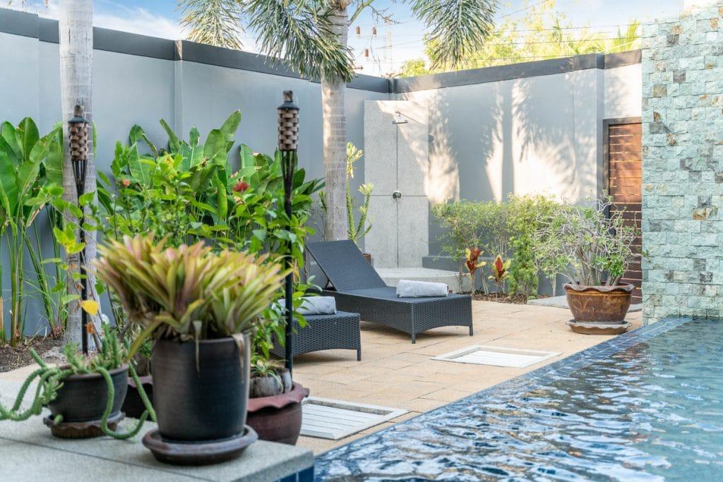 Piscine tropicale Villa avec jardin verdoyant