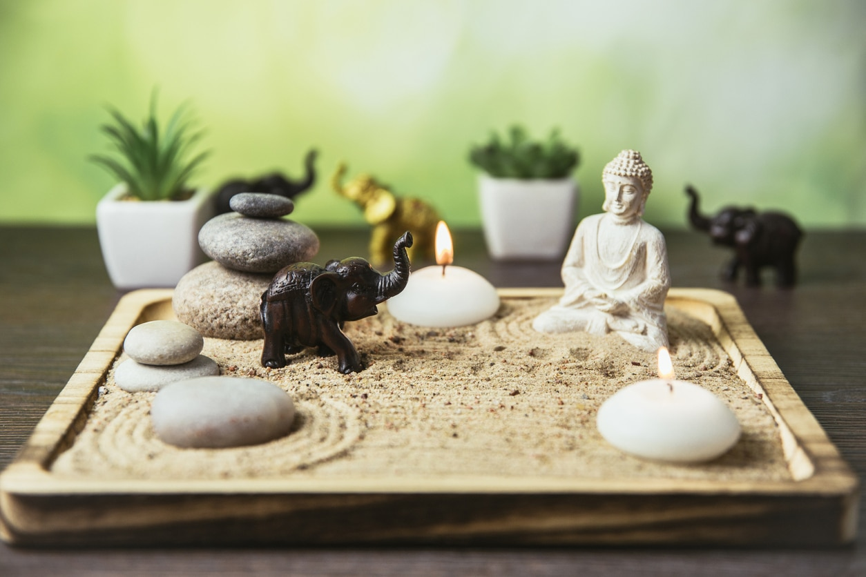 jardin zen miniature avec figurines