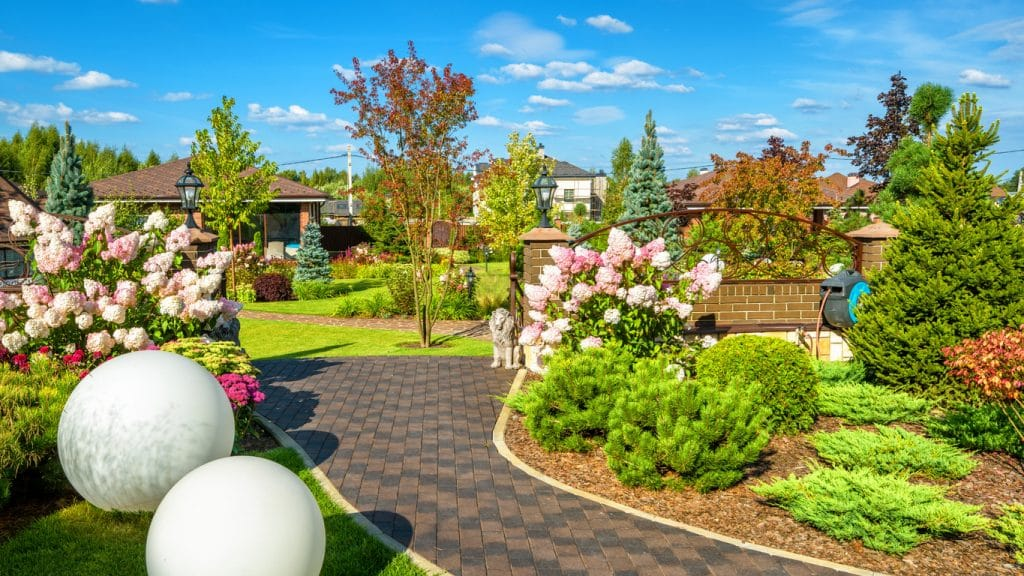 un jardin bucolique à la maison