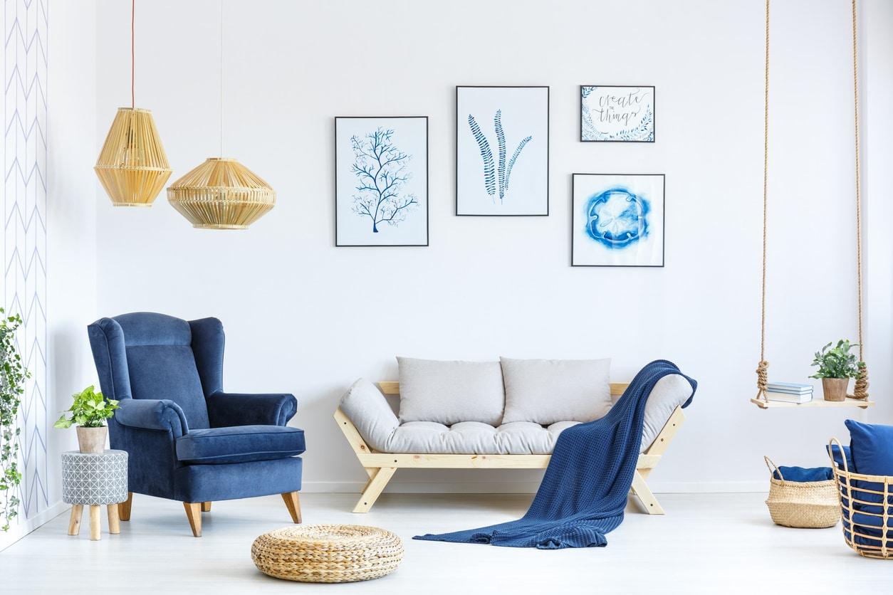 décoration scandinave avec du bleu au salon