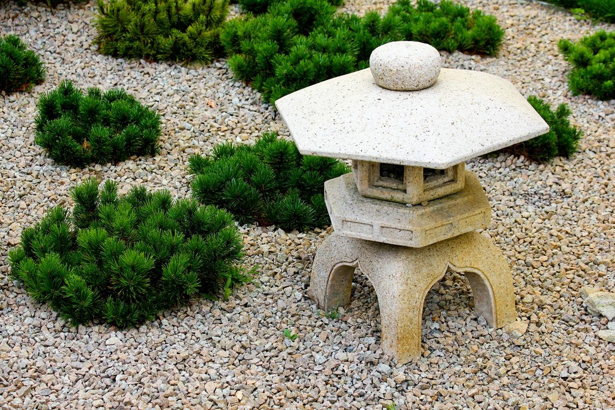 jardin zen - lanterne