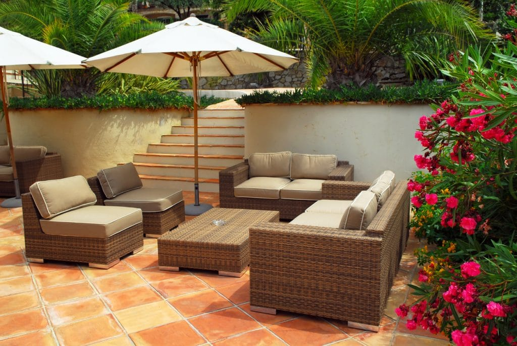 Tomettes rouges - salon de terrasse