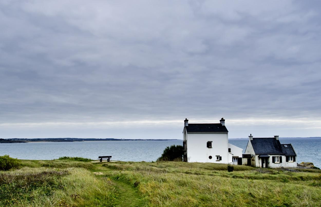 maisons sur la côte de la Bretagne