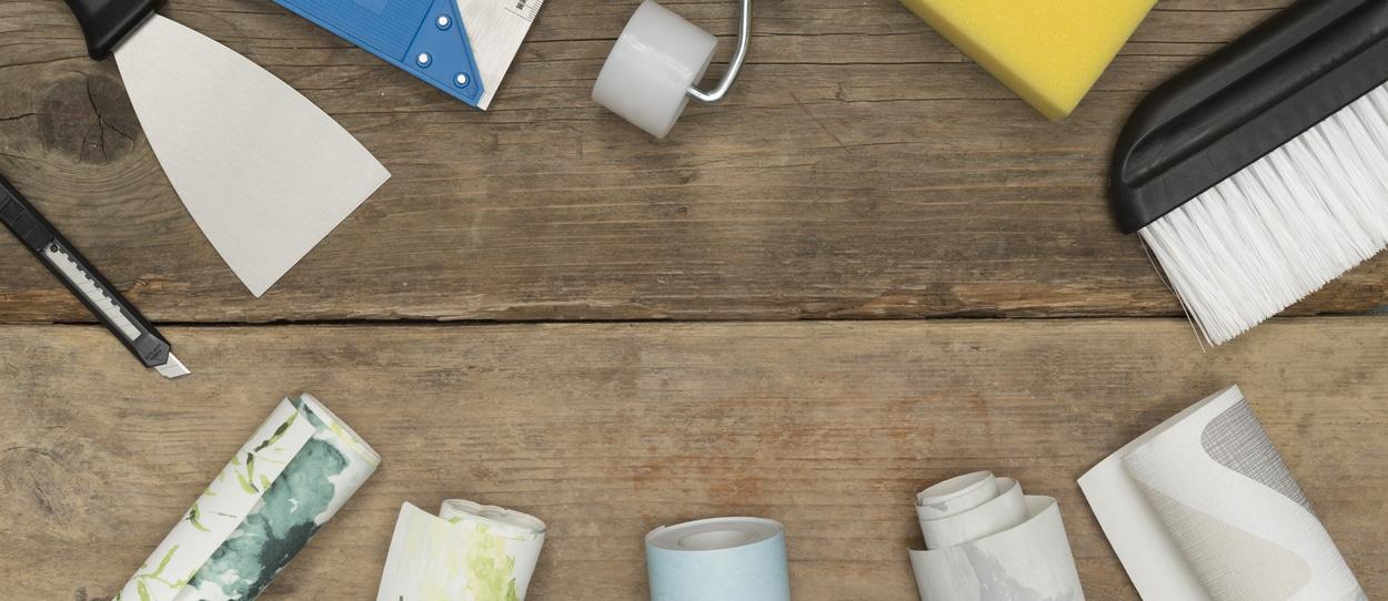 équipement pour coller du papier peint