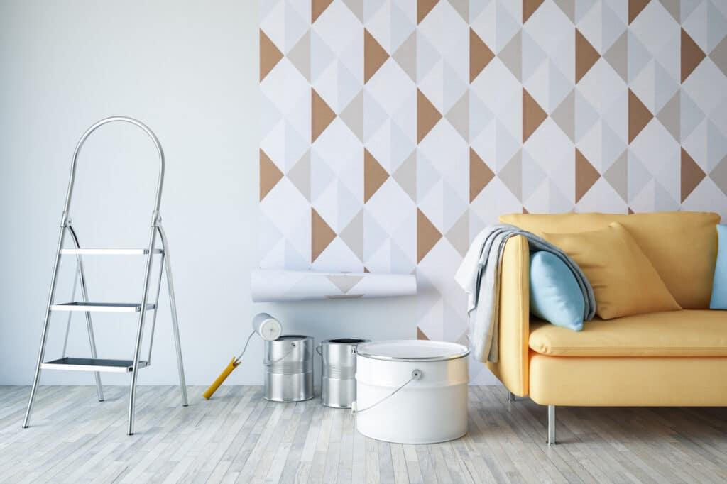 coller du papier peint en appartement