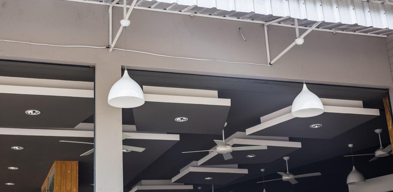 plafond noir design