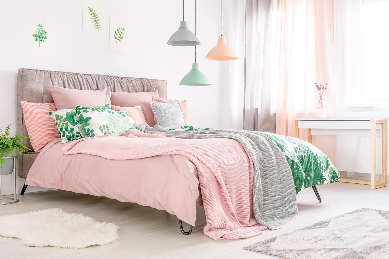 chambre à coucher - literie rose